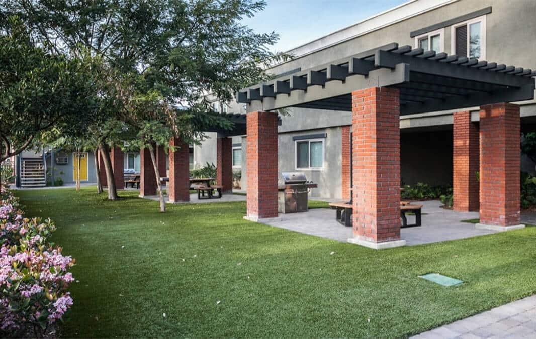 California Palms courtyard